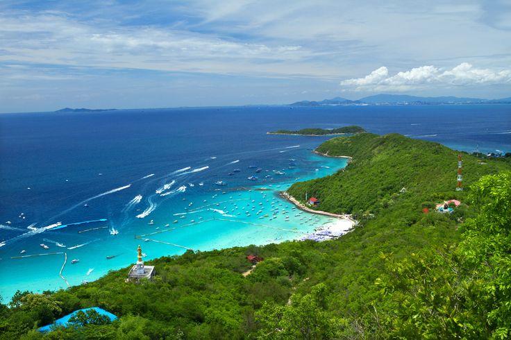 Pattaya Mercan Adası asıl adıyla Koh Larn, Pattaya'nın 7 km açıklarında Tayland Körfezi'nde yer alan bir tropikal ada... Birçok film sahnesinde de kullanılmış olan Mercan Adası'na Pattaya'dan feribot veya hızlı botlarla ulaşılabiliyor.