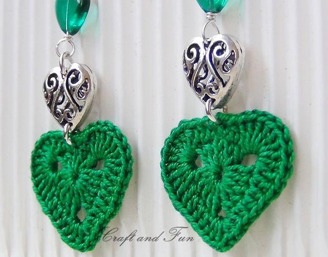 Valentine: Crochet Earrings DIY. ❤CQ #crochet #hearts #valentines    http://www.pinterest.com/CoronaQueen/crochet-hearts/