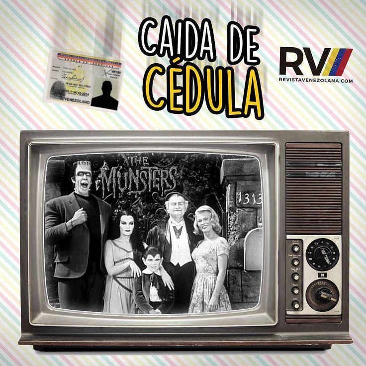 La Familia Monsters  Los Munsters o La Familia Monsters en España: La Familia Monster) es una telecomedia producida por la cadena CBS y transmitida originalmente entre los años 1964 y 1966 contando con 70 capítulos y dos temporadas. Basándose en la serie original se realizaron años más tarde las películas Munster Go Home (1966) y The Munsters' Revenge (1981). Esta serie es considerada como de culto y ha sido repuesta numerosas veces en todo el mundo.  Herman Munster (Monstruo de…