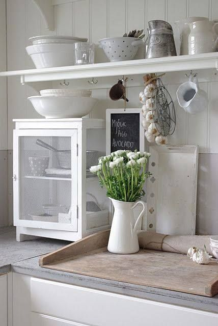 Crisp, clean white kitchen !!! via : frokeniknopp.blogspot.com/ via Forgotten Finds