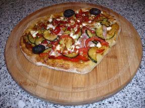 Hefefreie Pizza mit saftigem Schafskäserand (histaminfrei) Rezept - Rezepte kochen - kochbar.de - mobil
