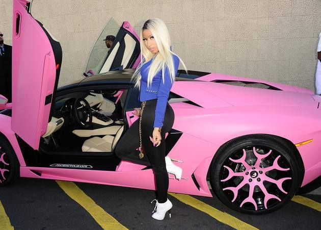 I think our friends at @AutoTex PINK would enjoy this pic of Nicki Minaj