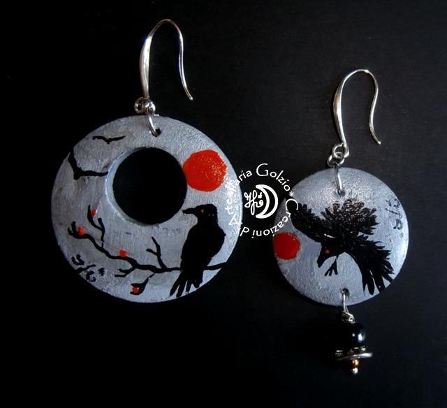 """""""CROWS"""" - Collezione di orecchini in legno dipinto, argento, metallo, perle in materiali vari"""