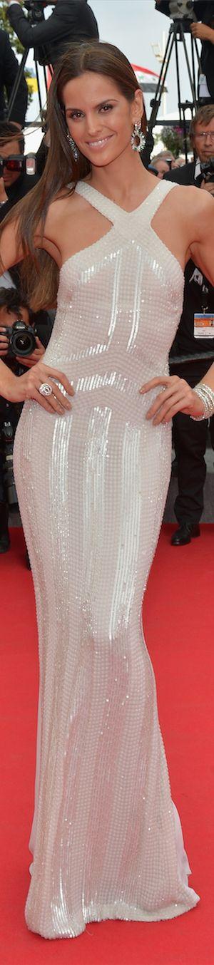 Izabel Goulart                                                           #celebrity #celebrityfashion