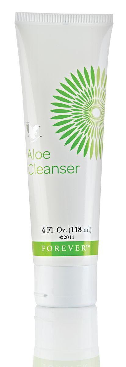 Utilizzare un detergente al mattino per pulire e rinfrescare la pelle e la sera per rimuovere i cosmetici. http://wu.to/77aMk8