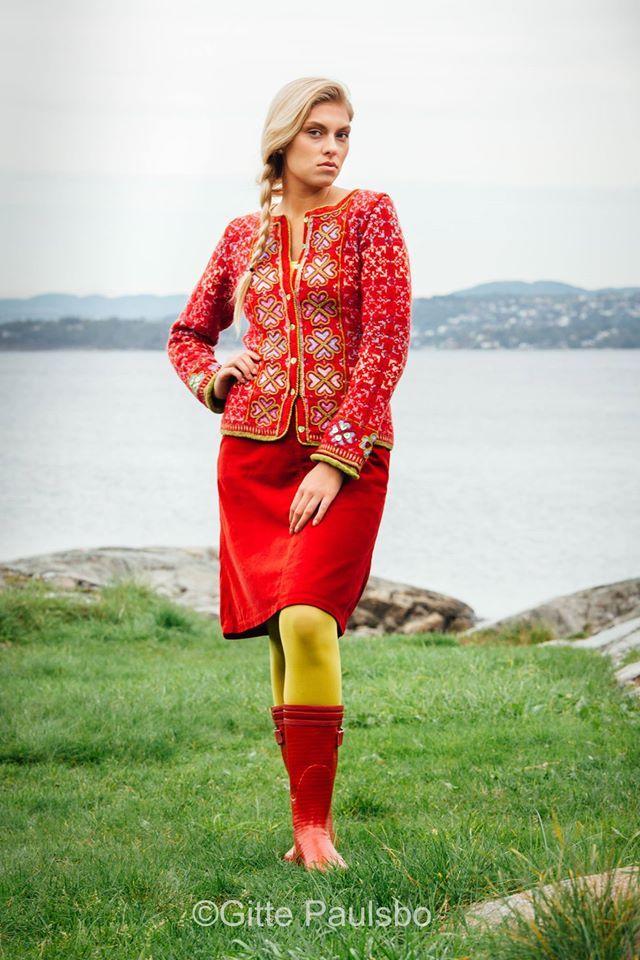 Norwegian designer; sidselhoivik.no