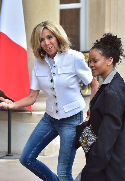 La chanteuse Rihanna est reçue mercredi par le président de la République Emmanuel Macron à l'Elysée.