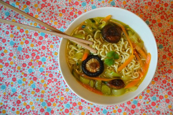9 best images about soupes chinoises on pinterest cas ramen and roses - Recette de noel vegetarienne ...