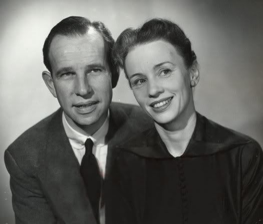 Hume Cronyn and Jessica Tandy.  He is instantly recognizable, but Tandy does not look at all like the older woman I am familiar with.