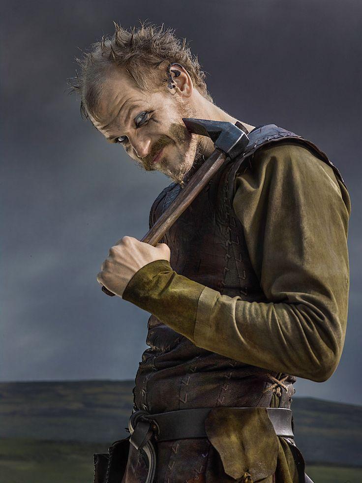 галечные, флоки актер викинги фото и биография аккуратно надевает