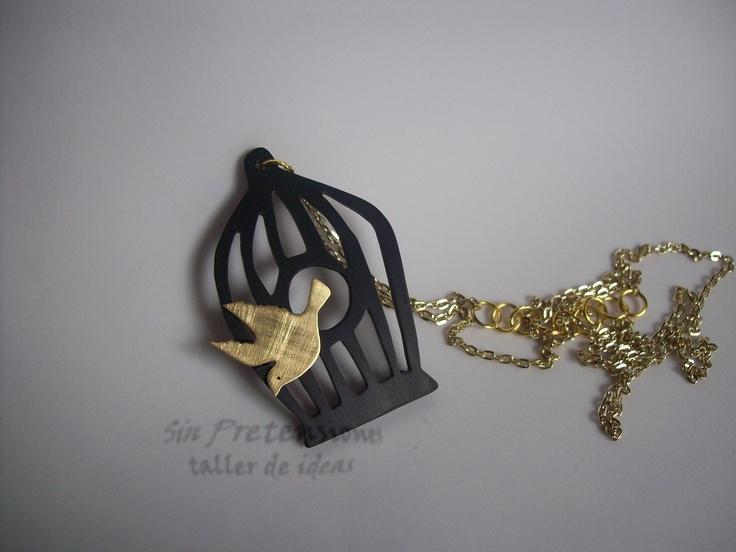 Acrilico y bronce calado a mano