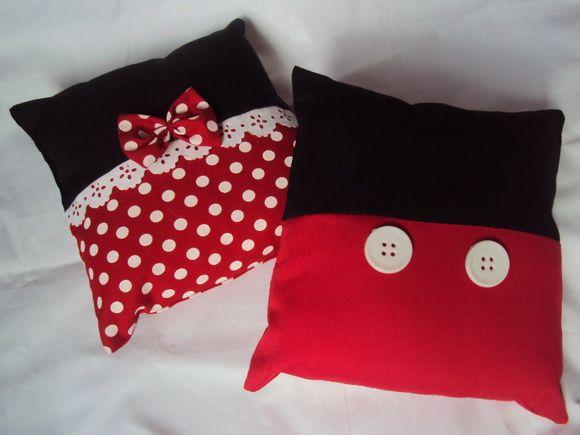 Lembrancinha almofadas Mickey e Minnie