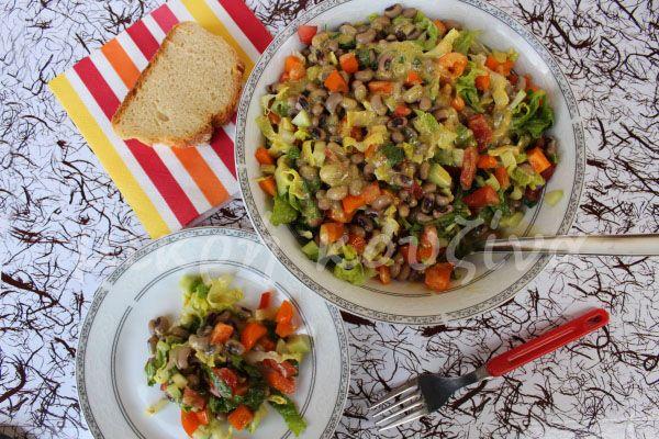 μικρή κουζίνα: Φασόλια μαυρομάτικα σαλάτα, με σάλτσα μουστάρδας