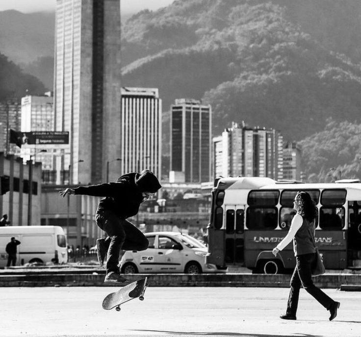 Alejandro Bernal flip 360 en Bogotá Skatecity