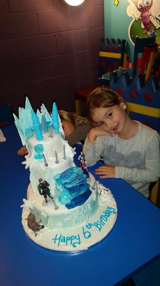 Ultra sparkly and glittery frozen cake with home made sugar crystals and shards, for one very happy birthday girl!
