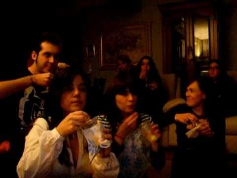 ▶ Las uvas! Nochevieja 2008 - YouTube