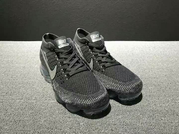 Nike, Nike Sneakers