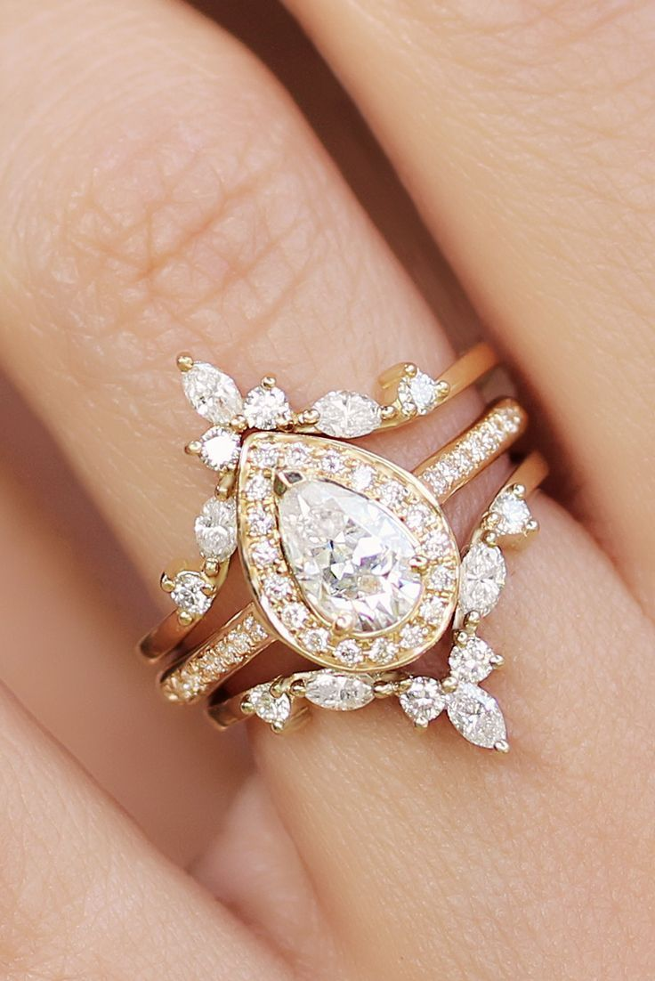 We Are All For This New Trend Of Multiple Layers Of Rings Pair Your Engagement Ring With Wedding Rings Vintage Wedding Rings Unique Diamond Wedding Rings Sets