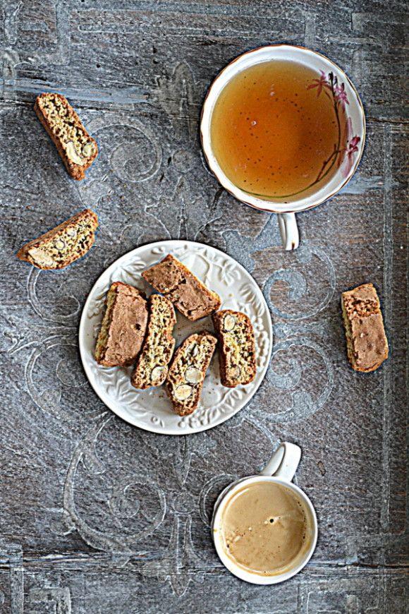 Cantuccini z migdałami i cytryną  #gryz #MagazynGRYZ