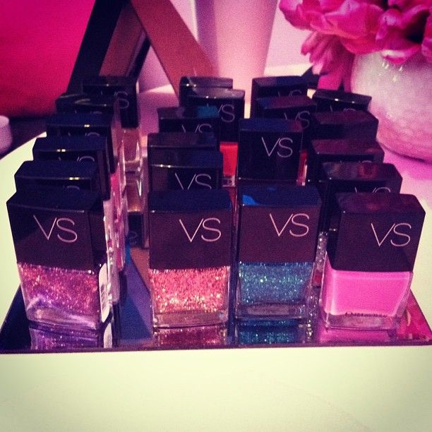 Ready to sparkle? glam #VSMani shades