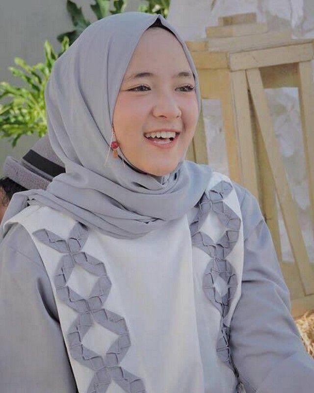 Kumpulan Foto Nissa Sabyan Penyanyi Religi Wanita Perkumpulan