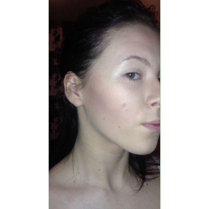 Practise of a basic contour using powder to define the cheekbone✨ #contour #cheekbone #mua #makeup