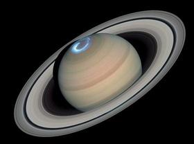 Saturno es el 6º planeta del Sistema Solar, el segundo en tamaño y masa tras Júpiter y el único con un sistema de anillos visible desde nuestro planeta. Forma parte de los denominados planetas exteriores o gaseosos. Antes de la invención del telescopio, Saturno era el más lejano de los planetas conocidos y, a simple vista, no parecía interesante. El primero en ver los anillos fue Galileo en 1610. Christiaan Huygens con mejores medios de observación pudo en 1659 observar con claridad los…