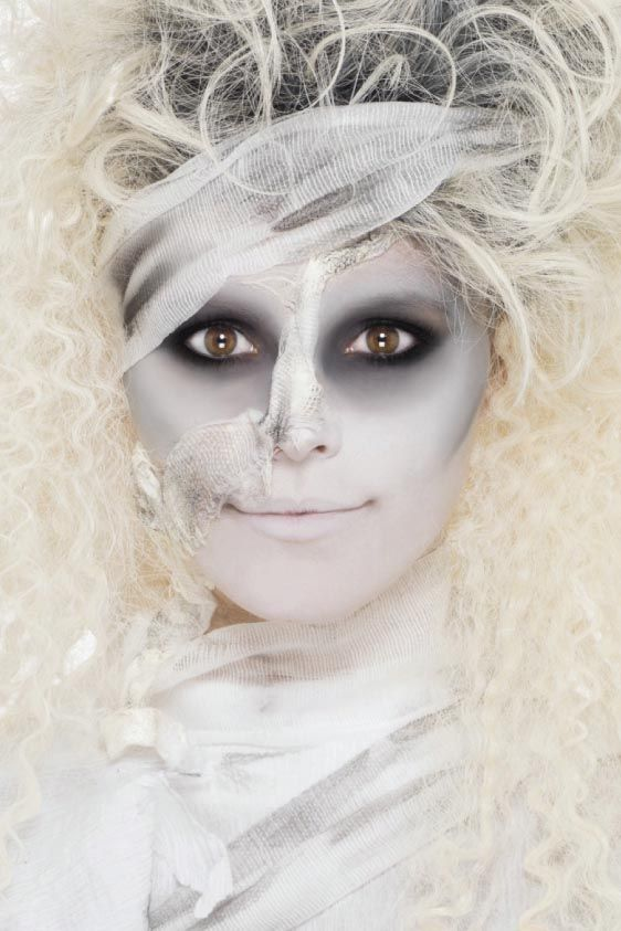 Best 25+ Mummy Makeup Ideas On Pinterest | Mummy Costumes Sexy Mummy Costume And Halloween ...