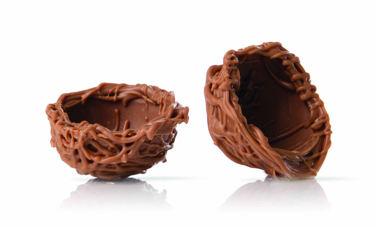 Milk chocolate nest to fill and use as decoration.