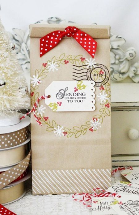 Make It Monday #142: Decorated Kraft Bags - Holiday Wreath Bag by Melissa Phillips for Papertrey Ink (November 2013)