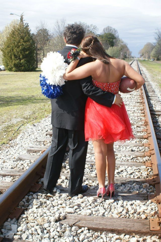 Football and cheer couple...yes please!!