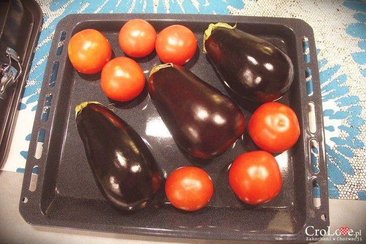 Bakłażany i pomidory || http://crolove.pl/przepis-na-ajvar/ || #ajvar #food #foodporn #croatia #hrvasta #chorwacja #kroatien