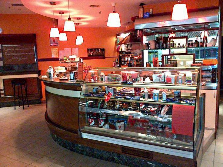 Bar Le Torri - Orari: Lun-Sab 08.00-20.00, Dom: 09.00-13.00. Caffetteria in promozione con tessera: 10 caffè a 8 euro; tessera colazione: con 10 colazioni, l'11° è in omaggio. Piadine originali romagnole in promozione con 1/2 l di acqua in omaggio, insalatone e piccola ristorazione. Disponibilità a variazioni speciali per eventi. #bar #caffè #colazione