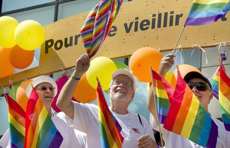Traducción de un artículo de periódico en el que, en el aniversario de los diez años de la ratificación de la ley sobre el matrimonio civil en Canadá en la que se abría la definición de matrimonio …