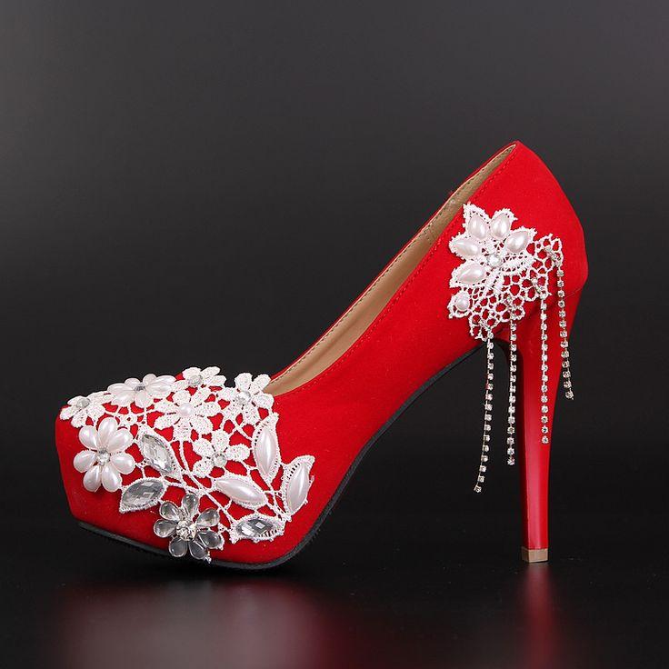 Escarpin rouge chaussures femme pas cher recouvert de dentelle blanche florale aux fils perles talon aiguille chaussure de soirée