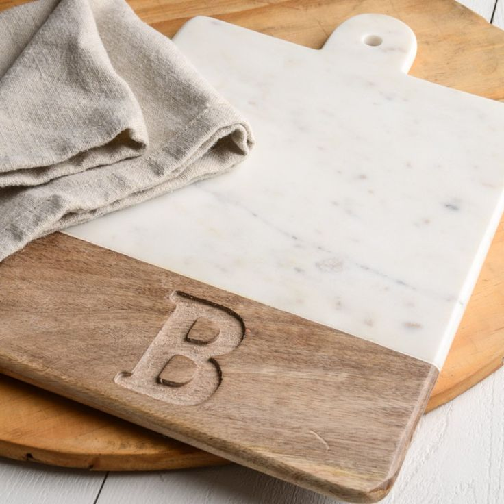 Initial Wood and Marble Cutting Board with medium grain