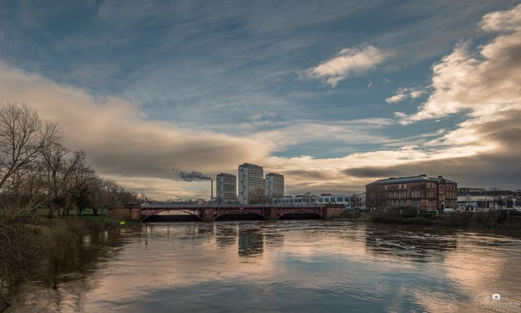 Glasgow river clyde this afternoon after raining... www.facebook.com/couvanos
