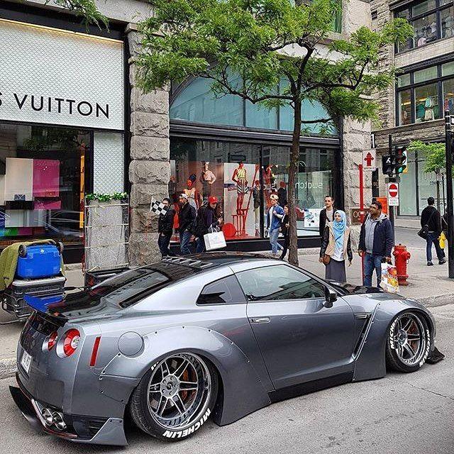 @alexandre.germain1´s GTR LBW • 📸 by @qcluxury • • • • • #nissan #gtr #r35 #gtrr35 #nissangtr #nissangtrr35 #libertywalk #qscphotography #ferrari #lamborghini #bentley #porsche #bugatti #supercars #exotic #exoticcars #montreal #instacar #quebec #amazingcars247 #luxury #mercedes #audi #canada #cars #rich #koenigsegg