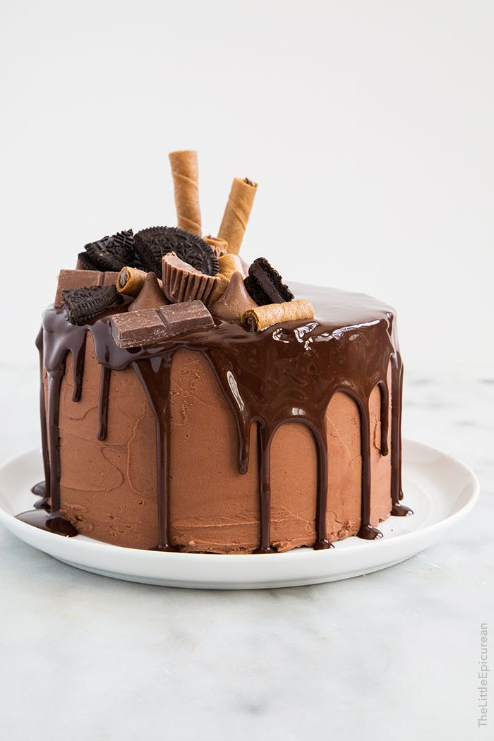 Cake Decorations For Chocolate : 17 best ideas about Chocolate Cake Decorated on Pinterest ...