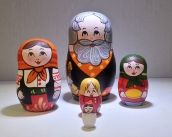 Matryosha was created in the same style as its elder brothers and sisters. The only difference is the size of the doll is its size! Still it is able to bring you love and joy! 5 figures. Russian nesting doll from Sergiev Posad. Wood, Tempera, No lacquer. The original Sergiev-Posad style of painting. Height of the first doll is 7cm.. MATRYOSHA Rp 420 000