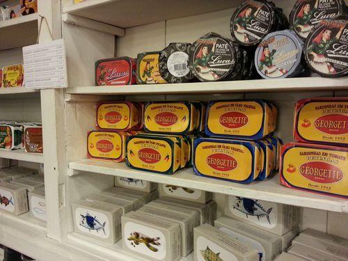 A vida portuguesa qui se trouve au c ur du chiado est une for Acheter carrelage au portugal