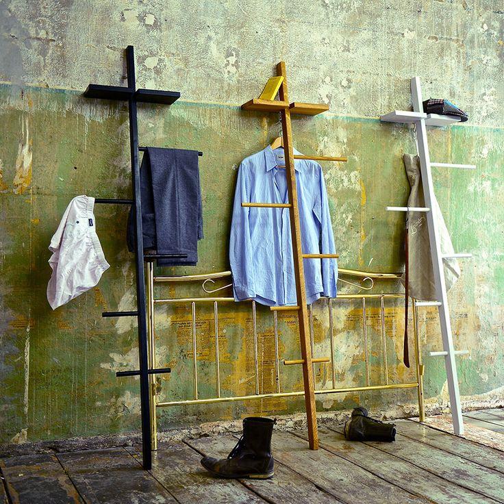 Smarte Kleiderständer aus Eichenholz