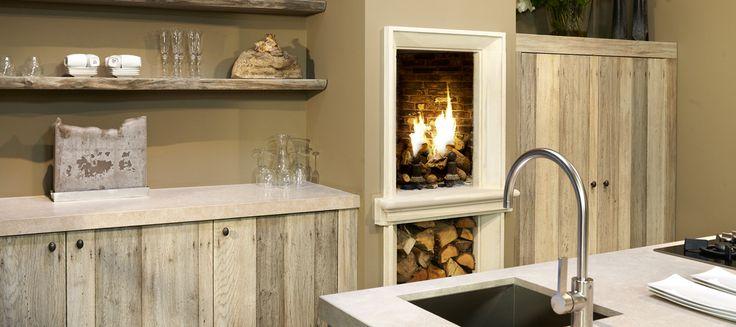 De 25 populairste idee n over houten keukenkasten op pinterest vintage keukenkasten - Open keuken op verblijf ...