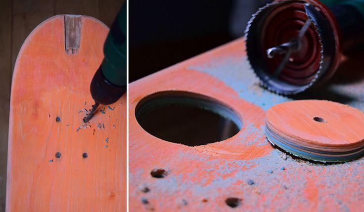 5 - Agrandir les trous déjà présents sur la planche de skate pour pouvoir y passer les cordes. Utiliser pour ça la perceuse avec un forêt à bois diamètre 6 ou 8 mm. Si vous voulez y intégrer un petit pot de plante vous pouvez également faire un trou à l'aide d'une scie cloche, ici de diamètre 65 mm. #diy #bricolage #bricoler #fairedesesmains #homemade #inspiration #tendance #tuto #tutoriel #deco #decoration