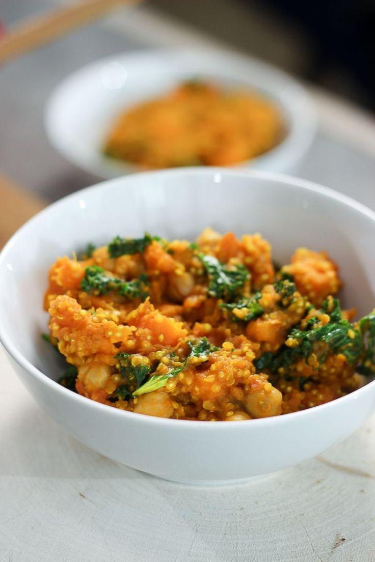 """Het lekkerste recept voor """"Currystoofpotje van kikkererwten, zoete aardappel en boerenkool"""" vind je bij njam! Ontdek nu meer dan duizenden smakelijke njam!-recepten voor alledaags kookplezier!"""