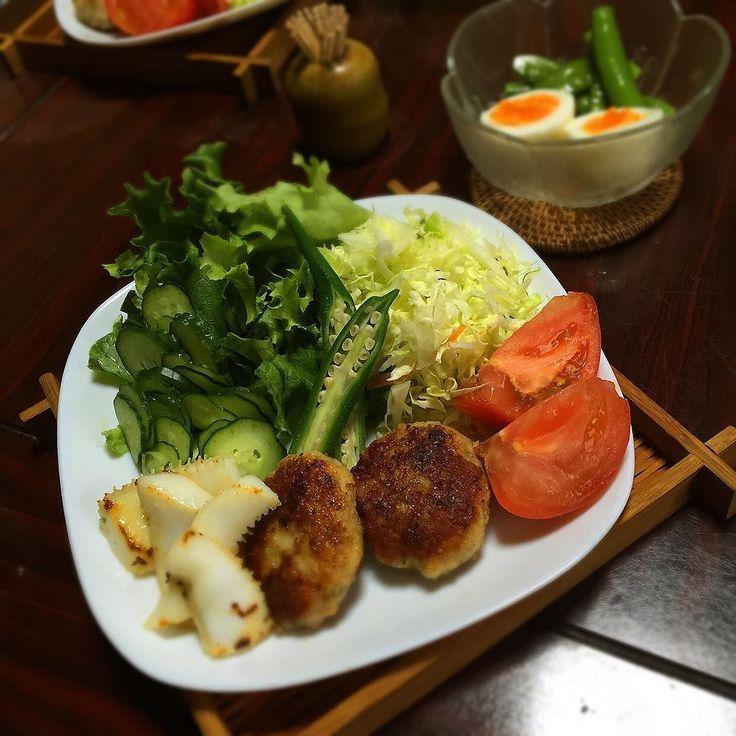 2016.5.6 糖質制限 実家晩ごはん  #ミニハンバーグ #いか焼き #ゆで卵とゆでスナップえんどう  うちにある うつわをどう使おうか考えるのも楽しい お蕎麦のざると白いプレートを重ねてみた笑  #おうちごはん #実家ごはん #夕ご飯 #晩ご飯 #ごはん #ご飯 #dinner #instafood #foodpic #kaumo #locari_kitchen #糖質制限 #糖質OFF #ゆる糖質制限 #ゆるゆる糖質制限 #ローカーボ #糖質制限ダイエット #ダイエット #糖質制限メニュー #低糖質 #とりあえず野菜食 #lowcarb #糖質セイゲニスト  by meg3818