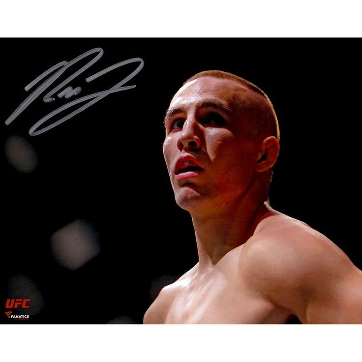 Rory MacDonald Ultimate Fighting Championship Fanatics Authentic Autographed 8'' x 10'' Close-Up In Cage Photograph