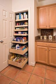 Best 10 Small pantry closet ideas on Pinterest Small pantry