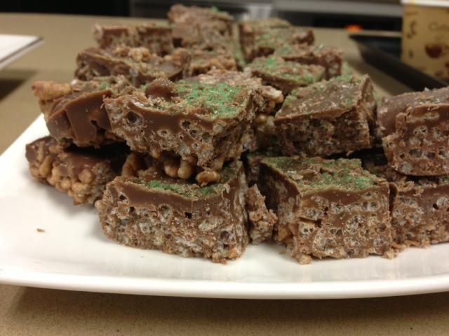 Recipe Peppermint Crisp Slice by grapesy83 - Recipe of category Desserts & sweets