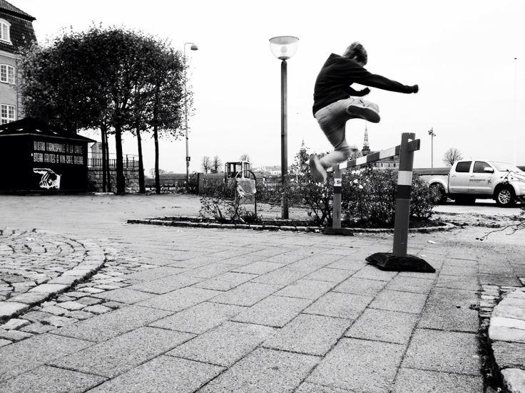 #photography #black and white #jump #art #artleanda  artleanda.com